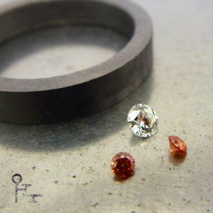 Tantal Ring-Rohling und Diamanten