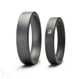 Tantal Ringe Haudarin® Material: Tantal und Diamant, Kollektion Fein - Modell: P-2 NR-1 - Material: Tantal, Diamanten TV/SI-1 ≈ 0,0141 ct