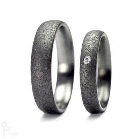 Tantal Ringe Haudarin® Material: Tantal und Diamant, Kollektion Sand - Modell: P-1 NR-1 - Material: Tantal, Diamanten TV/SI-1 ≈ 0,0141 ct
